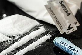 drugs-908533__180
